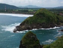 Pantai Payangan, Surga Eksotik Wisata Bahari Kabupaten Jember Jawa Timur