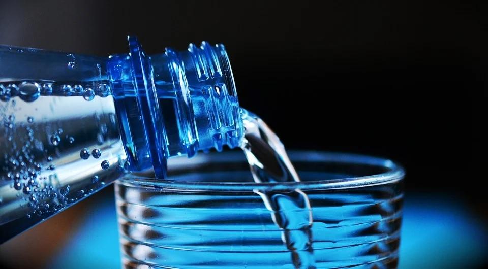Manfaat Minum Air Saat Diet